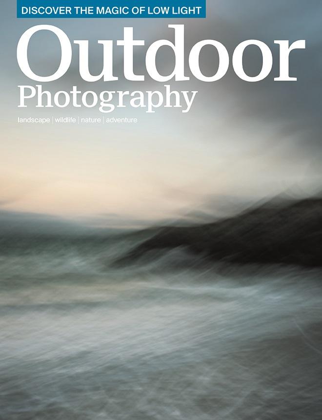 15 - Novembre 2015 - Outdoor Photograph 198, Photo en Double page